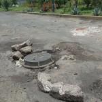 Sólo un aspecto de las condiciones en las cuales se encuentra la Avenida del Quinceo, en las cercanías de su cruce con la Avenida Poliducto