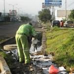 Para evitar futuras contingencias a causa de las lluvias, las áreas operativas del Ayuntamiento realizan diariamente acciones preventivas como limpieza en calles, avenidas y colonias de la ciudad