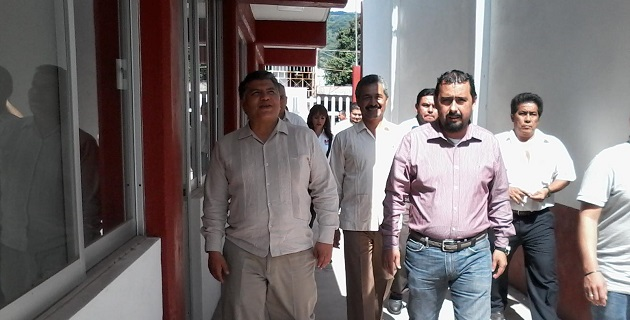 El funcionario estatal también ofreció apoyar la escuela de Educación Especial en el municipio