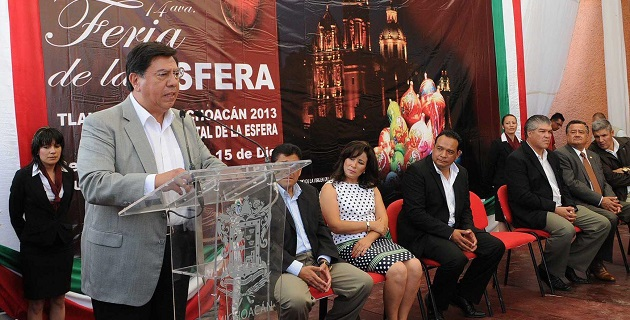 Reyna García inauguró la décimo cuarta Feria de la Esfera, que concluirá hasta el próximo 15 de diciembre
