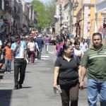 El gobierno municipal otorgó permisos de instalación a mil 895 comerciantes para ofrecer sus productos en las inmediaciones del Mercado Independencia y otros puntos de la capital del estado