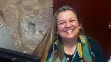 Teresa Da Cunha es doctora en Derecho; con diversos posgrados en universidades de México, España y Francia; profesora investigadora de la UMSNH; miembro del Sistema Nacional de Investigadores; y coordinadora del Área de Ciencias Sociales en el CIJUS