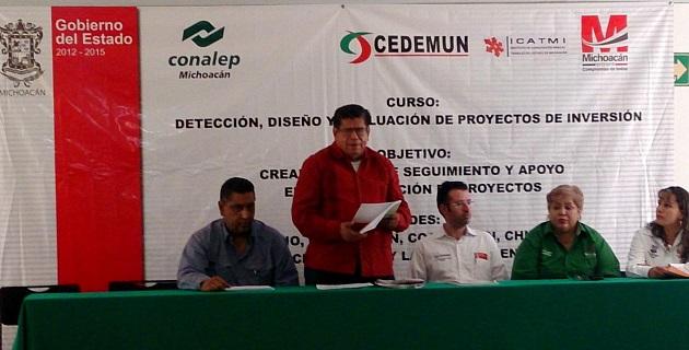 Elio Núñez Rueda, coordinador de Relaciones Interinstitucionales, resaltó el interés del gobierno estatal de capacitar a los funcionarios municipales sobre cómo elaborar proyectos de inversión
