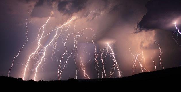 Una zona inestable, las ondas tropicales 21 y 22, así como una zona de nubes de tormenta, tienen efectos en el país.