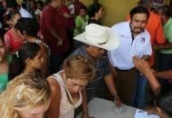En la primera etapa de recaudación de firmas de tierra caliente se reunieron poco más de mil, lo que demuestra la gran intención de tener menos nomina en el Congreso de la Unión señaló Bernardino Vargas