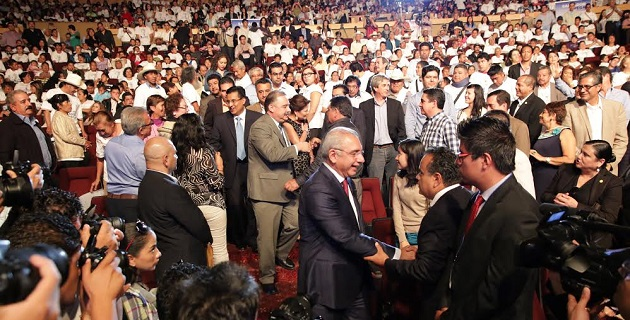 Vega Casillas presentó en Morelia su Segundo Informe de Actividades Legislativas; fue acompañado por el senador Javier Coral, quien destacó su labor en el Senado de la República