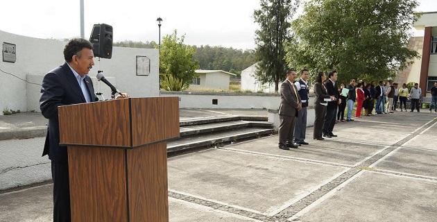 Alfredo Rosales Rosales, rector de la UTM, reconoció el esfuerzo de todo el personal de la Universidad para brindar juntos un servicio de calidad