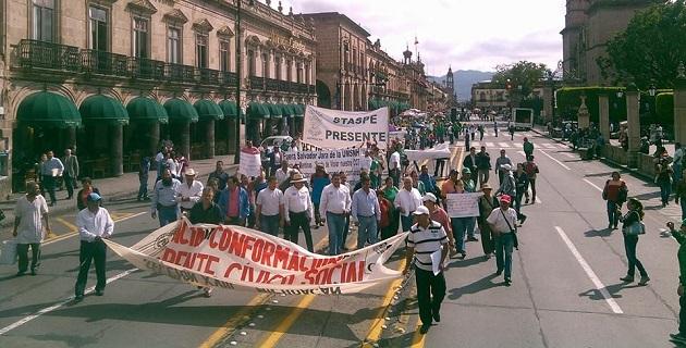 Mientras esto ocurre en Morelia, la gran mayoría de las autoridades estatales se encuentran en Tierra Caliente, celebrando el Bicentenario de la Promulgación de la Constitución de Apatzingán (FOTO: FRANCISCO ALBERTO SOTOMAYOR)