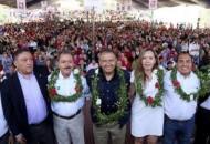 El programa PROSPERA, no debe quedarse sólo en recibir los apoyos, dijo el también Director Nacional de Liconsa, se trata de que este programa eche raíces en Michoacán