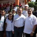 Comidas completas, con calidad nutricional y sin ánimo de lucro sirven día a día los 450 Comedores Comunitarios en beneficio de 52 mil michoacanos en el marco del Plan Michoacán, dijo Silva Tejeda