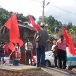 El cierre se encuentra en la carretera libre Morelia-Tacámbaro, a la altura de Villa Madero