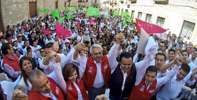 Así lo aseguró el dirigente estatal de la Red de Jóvenes por México, Judá Vázquez, quien acompañó a su abanderado en las actividades de proselitismo de esta mañana
