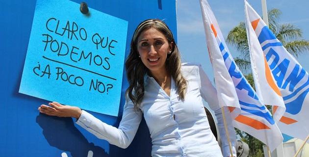 Luego del encuentro ciudadano realizado en el Centro de Convenciones en Morelia, Rubí Rangel se dirigió a realizar sus primeras acciones de campaña en el cruce de Avenida Ventura Puente y Libramiento Camelinas