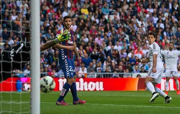 Con este triunfo, el Real Madrid suma 73 puntos y se coloca a uno solo del líder Barcelona, que tiene este sábado en Sevilla uno de los partidos más difíciles de los que le quedan hasta el final de la temporada