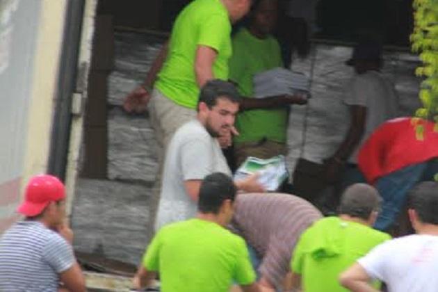 Paquetes de útiles escolares del Partido Verde fueron descargados esta mañana en el Salón de Fiestas Solei, ubicado en la esquina que foman las calles Polonia y Jesús Romero Flores, de la colonia Oviedo Mota de Morelia