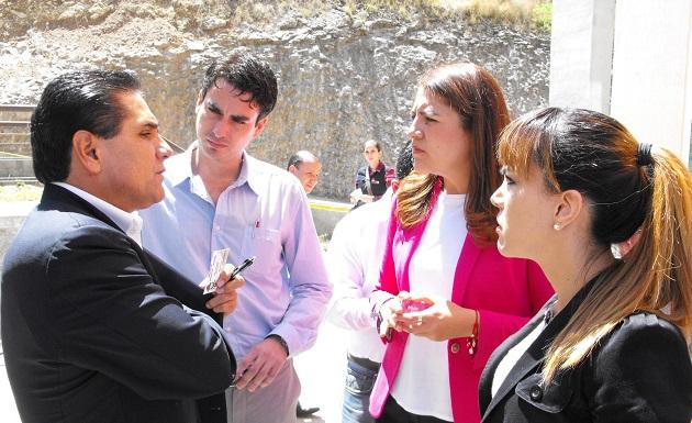 Priscila López, en campaña por la diputación.