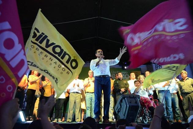 Silvano se comprometió una vez más con las mujeres y los jóvenes a garantizarles un mejor futuro