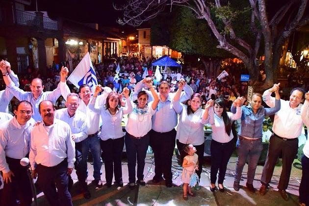 Calderón Hinojosa, abanderada albiazul, visitó dicho municipio para recibir las inquietudes de la población y así mismo dar a conocer sus propuestas para Un Gobierno de Verdad