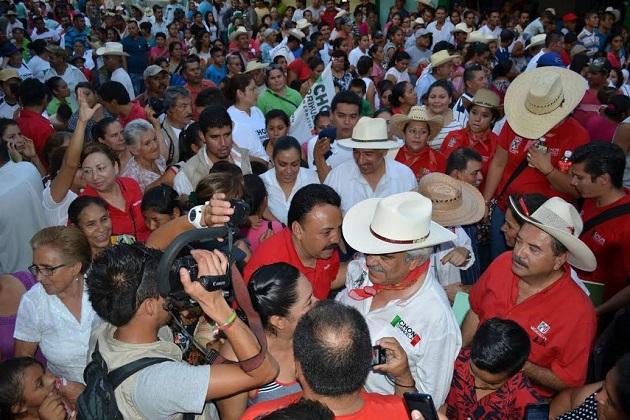 Chon Orihuela, también aspirante al Solio de Ocampo por el Partido Verde, es quien más municipios ha visitado en la búsqueda del voto de los michoacanos, con un total de 42