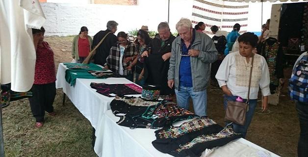 Premian a artesanos de Michoacán.