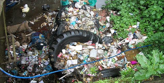 Trabajos de limpieza en Uruapan.