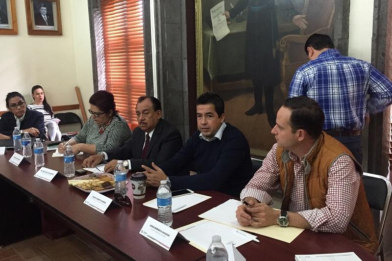 El edil de Zamora, José Carlos Lugo, expresó que estos foros son una oportunidad para la ciudadanía y para los presidentes municipales de manifestar inquietudes y necesidades generales en presencia del gobernador Silvano Aureoles