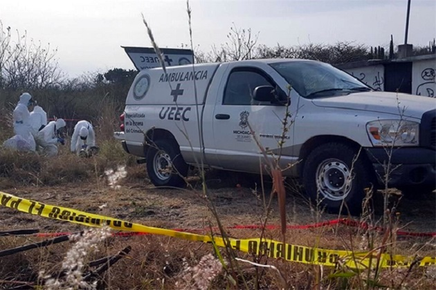 Encuentran a tres personas ejecutadas en Michoacán