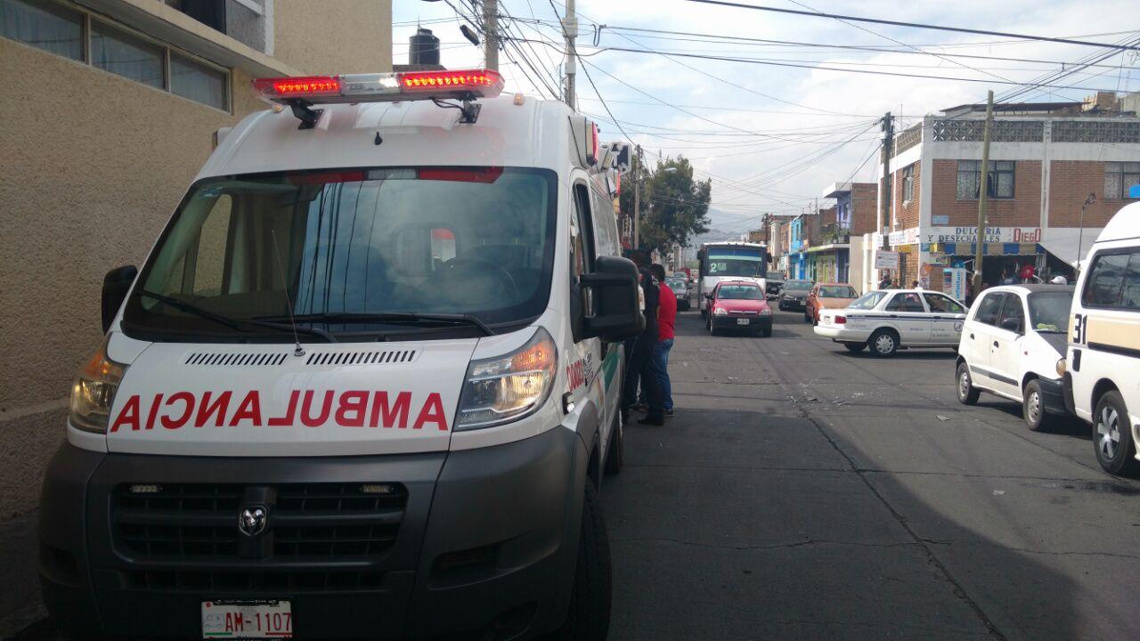 Al lugar arribaron elementos de la Cruz Roja Mexicana y de la Policía Michoacán (FOTO: FRANCISCO ALBERTO SOTOMAYOR)