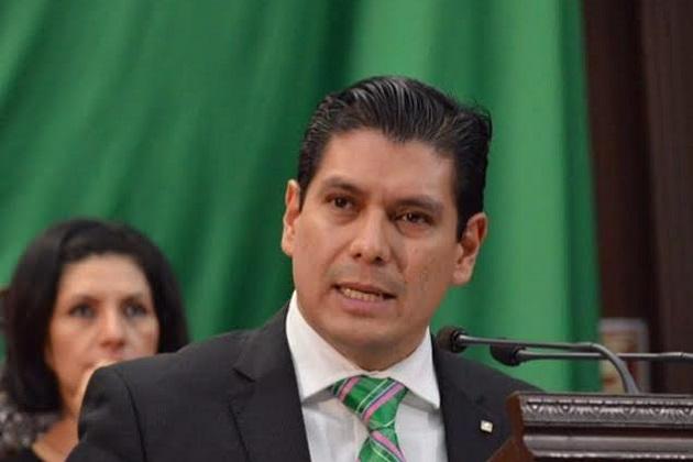 La iniciativa también tiene como objetivo que los ciudadanos colaboren en la creación y mejoramiento de los servicios públicos: Núñez Aguilar