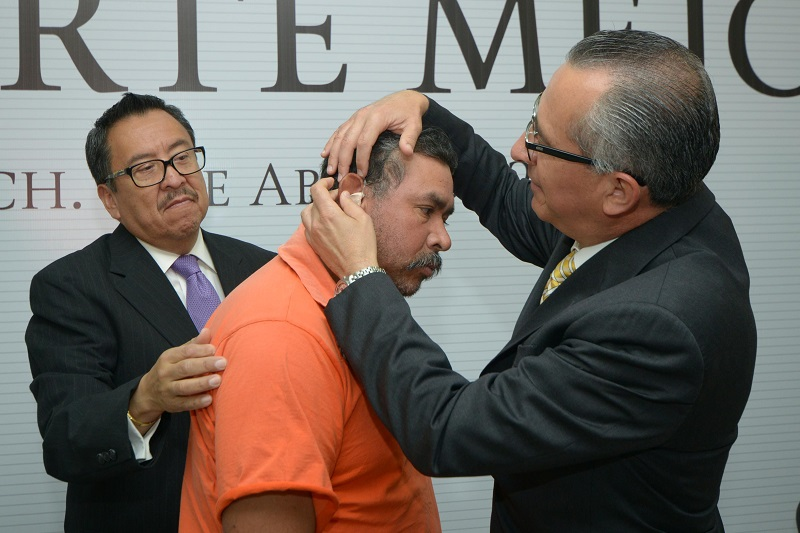 Es de señalar que en Morelia este lunes se hizo la primera entrega con 70 auxiliares auditivos, en donde se vieron beneficiados los integrantes del Asilo Miguel Hidalgo
