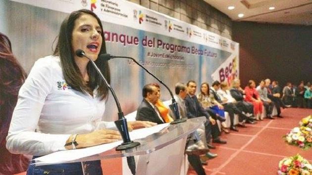 Cabe precisar que en cualquiera de las siguientes páginas se pueden llevar a cabo los registros: www.becafururo.mx,www.becafururo.michoacan.gob.mx y www.becafururo.jovenes.michoacan.gobierno.mx