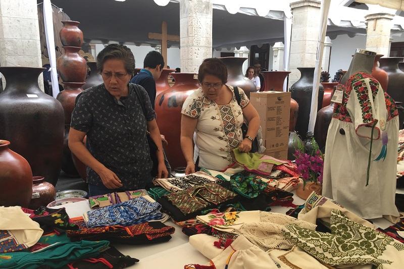 En el LVI Concurso Estatal de Artesanía se vendieron 557 piezas, con una derrama económica  de un millón 960 mil pesos