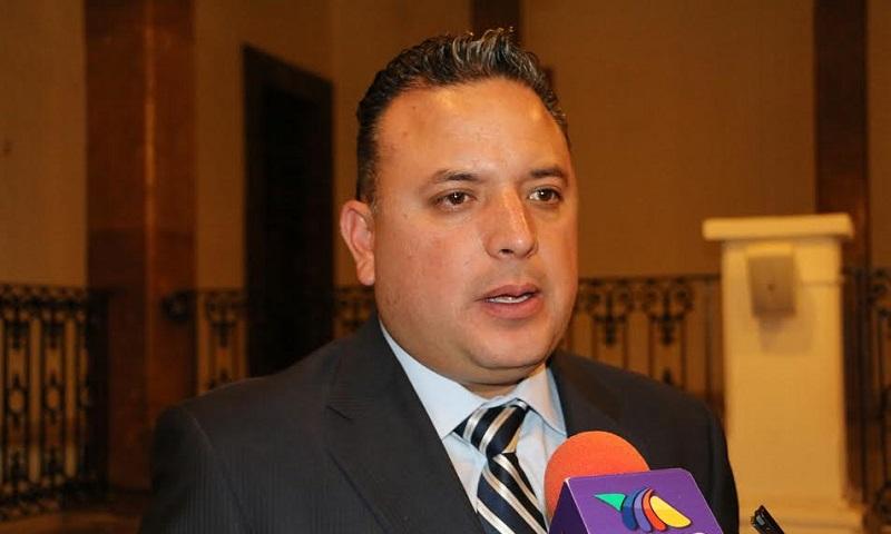 Desde la llegada de Alfredo Castillo se prometieron sueldos de entre 12 y 15 mil pesos a los policías de Michoacán, ofrecimiento que no se ha cumplido: Quintana Martínez