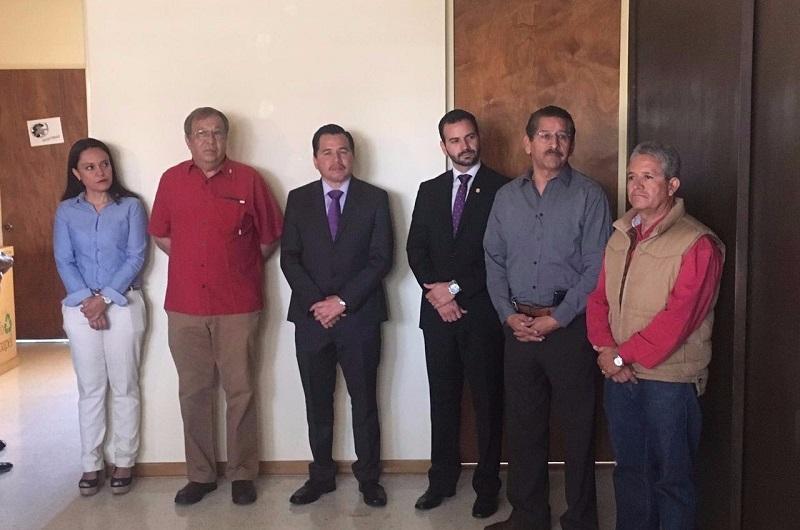 El secretario de Servicios Públicos Municipales, José Luis Gil Vázquez, reconoció el esfuerzo de García Vallejo, quien dijo trabajó de forma institucional al frente de la Dirección que tuvo a su cargo