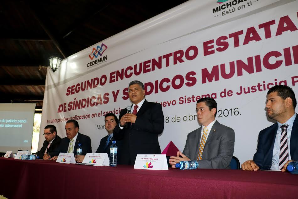 Secretario ejecutivo capacita a síndicas y síndicos municipales, en el Nuevo Sistema de Justicia Penal