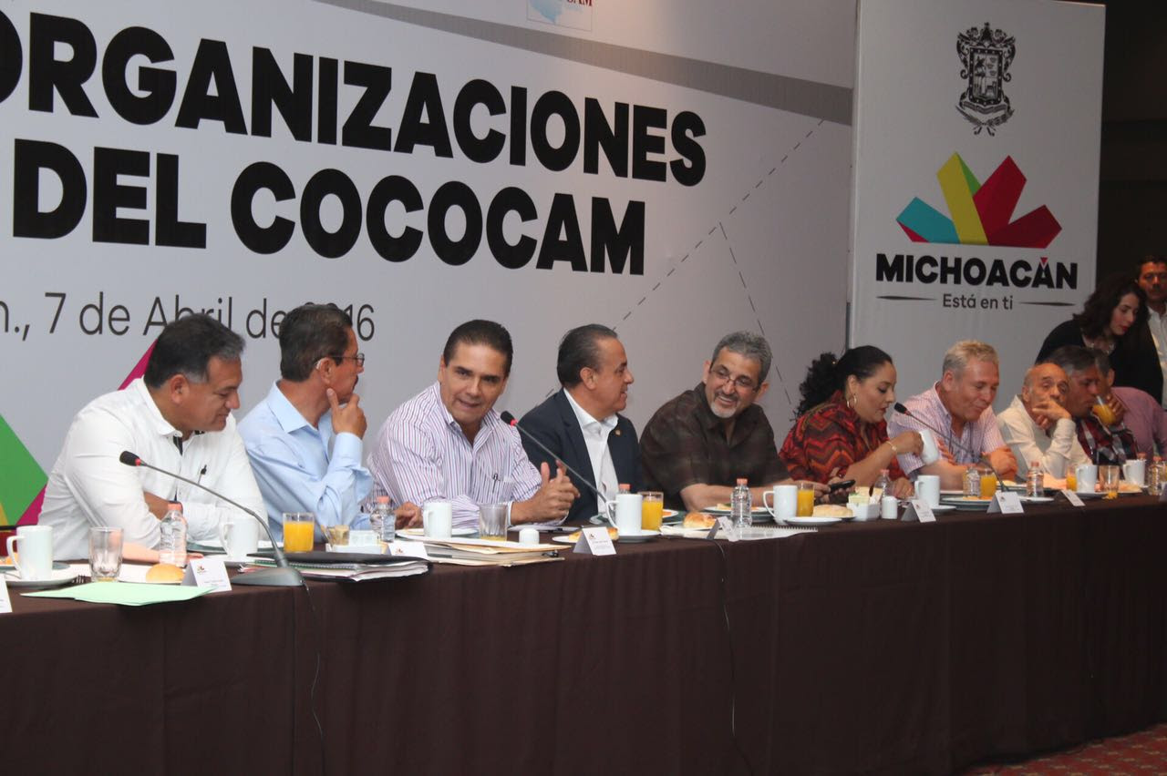 Lo anterior, durante una reunión que sostuvo el Jefe del Ejecutivo estatal con integrantes del Cococam quienes refrendaron su confianza y apoyo a la actual administración