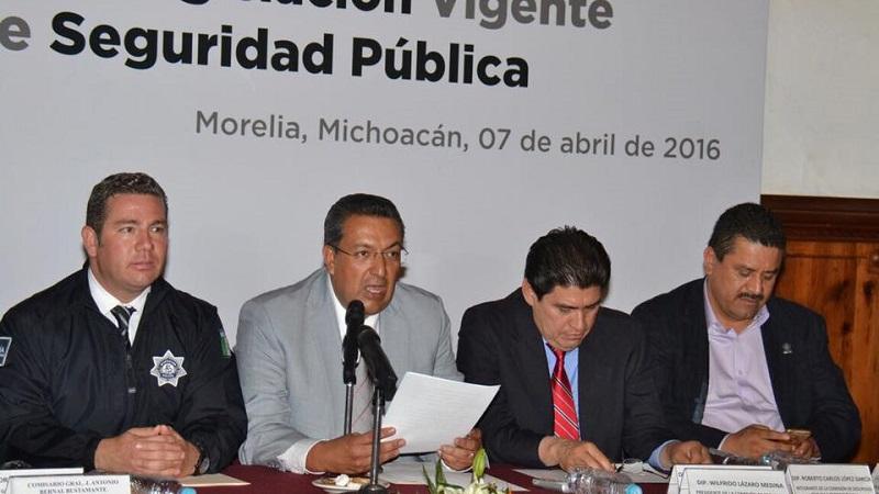 El representante popular y ex presidente municipal de Morelia indicó que combatir la delincuencia es responsabilidad del gobierno federal, estatal y municipal, sin embargo, advirtió que prevenirla es responsabilidad de todos