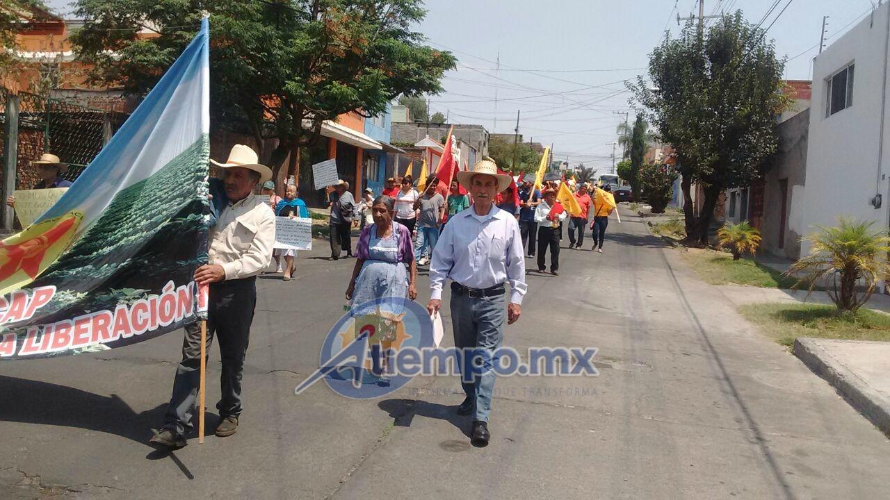 La Unión Nacional de Trabajadores Agrícolas conmemora el aniversario luctuoso de Emiliano Zapata, que se cumplirá el próximo 10 de abril (FOTO: FRANCISCO ALBERTO SOTOMAYOR)