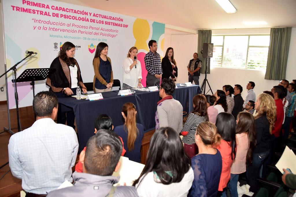 Se instruye a 200 personas en materia del Proceso Penal Acusatorio y la Intervención Pericial del Psicólogo