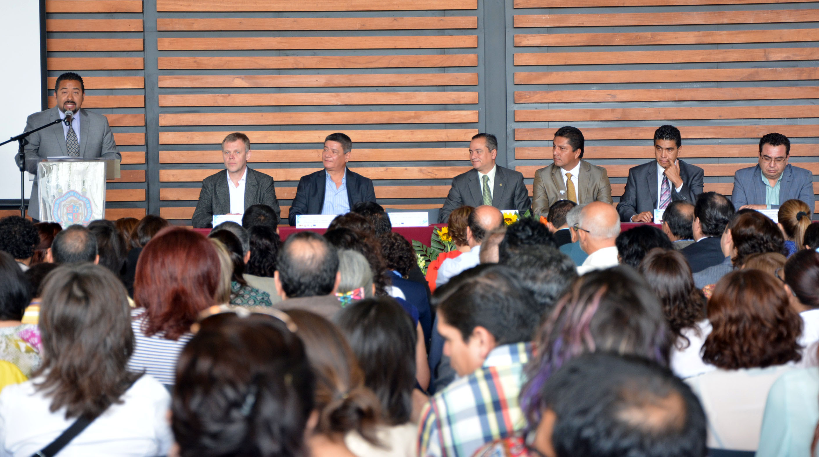 Montañez Espinosa señaló que los estudiantes de nivel universitario son un sector estratégico para las políticas públicas relacionadas con el impulso de la innovación, ciencia y desarrollo tecnológico