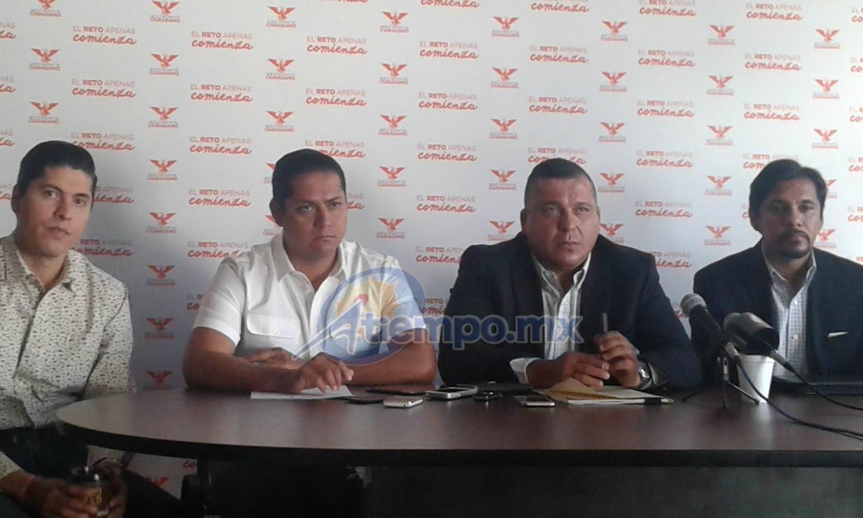 Daniel Moncada e Ignacio Mendoza demandaron al Gobierno de Michoacán, encabezado por el gobernador Silvano Aureoles, que se mantenga firme en su aval para el traslado del líder social a la entidad