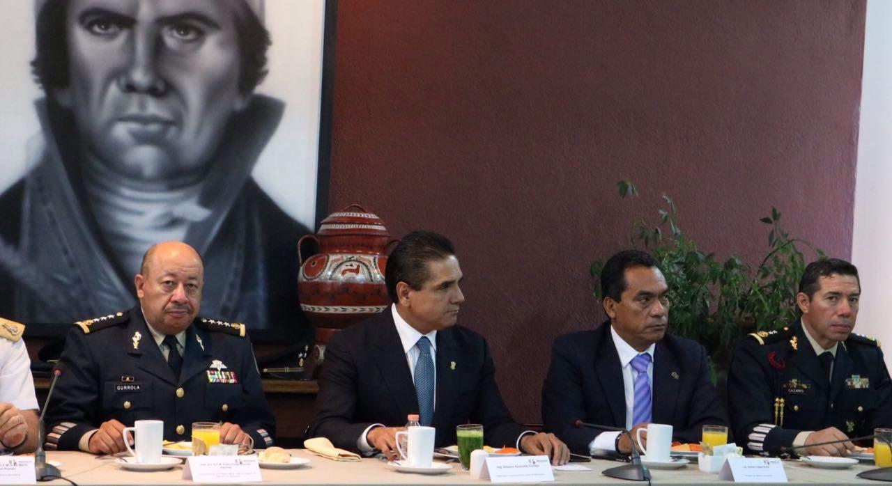 En estos trabajos participan la Procuraduría General de Justicia del Estado, la Procuraduría General de la República, el Ejército Mexicano, la Policía Federal y la Secretaría de Seguridad Pública