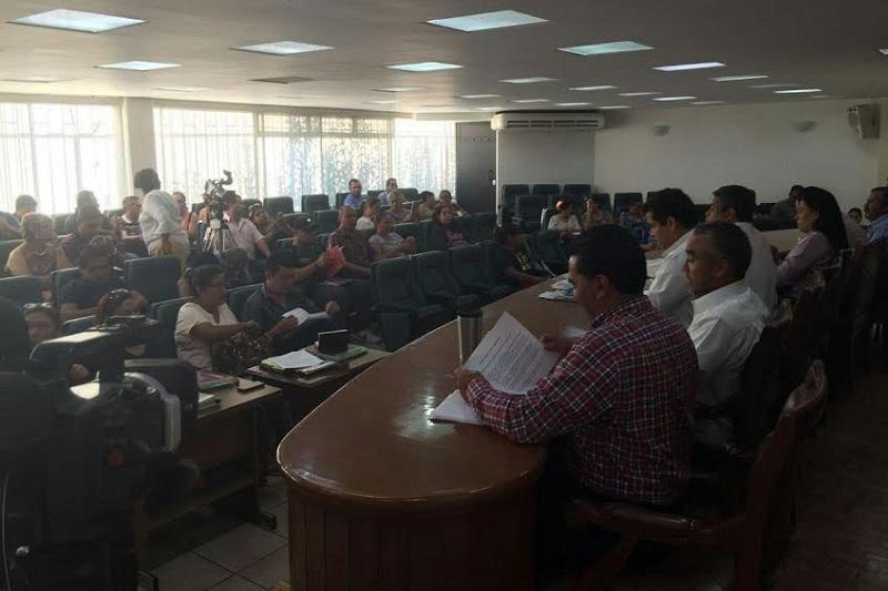 Al día de hoy de 27 violaciones a las condiciones generales de trabajo comprendidas en el emplazamiento depositado por el SUEUM ante la Junta Local de Conciliación y Arbitraje, la autoridad ha dado respuesta a 21 de ellas