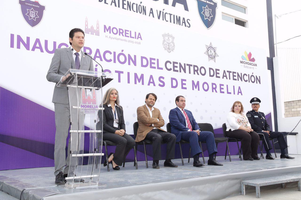 Martínez Alcázar indicó que con la puesta en marcha de un segundo Centro de Atención a Víctimas, se empieza a ir cambiando la visión en cuanto a seguridad se refiere
