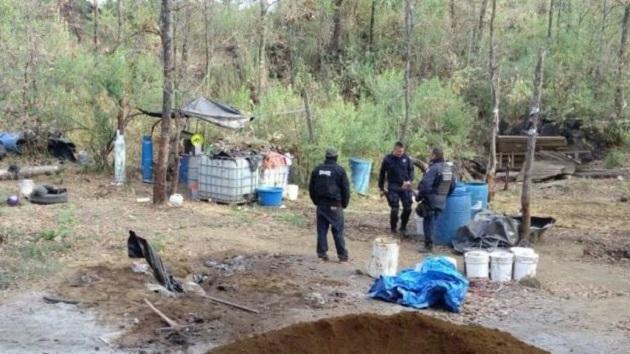 Los cinco detenidos, originarios de Uruapan,  quedaron a disposición de la Procuraduría General de la República