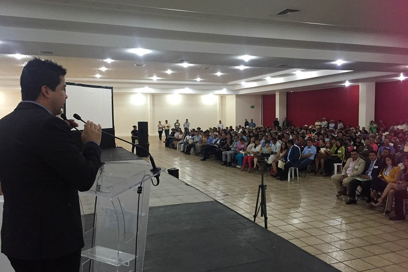 El objetivo es dialogar en distintas mesas de trabajo para proponer y adoptar diversos mecanismos que impulsen el desarrollo y el fortalecimiento de los 113 municipios de Michoacán