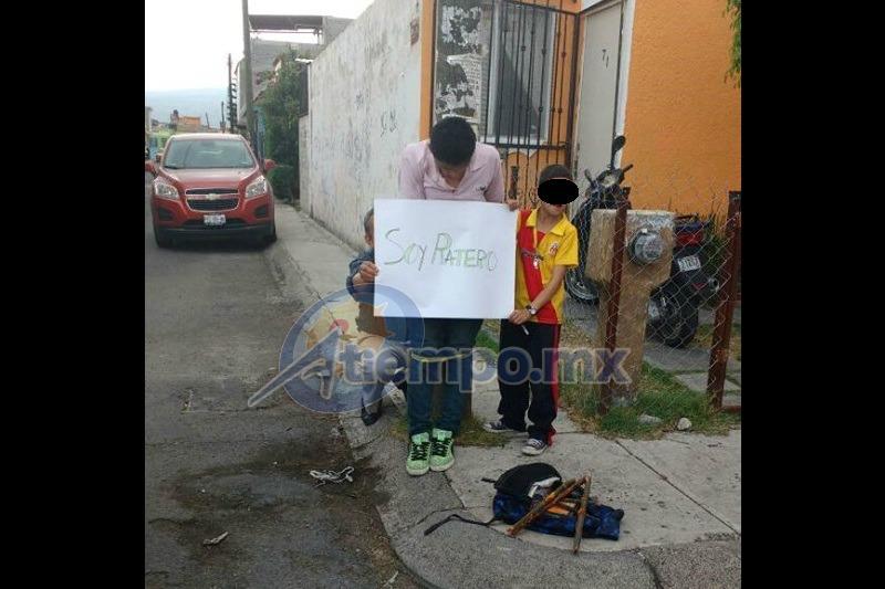 El sujeto fue atado a un poste en la esquina de las calles Manuel Romero de Terreros y José María Cortés Esparza (FOTO: CENSOR POLICÍACO)