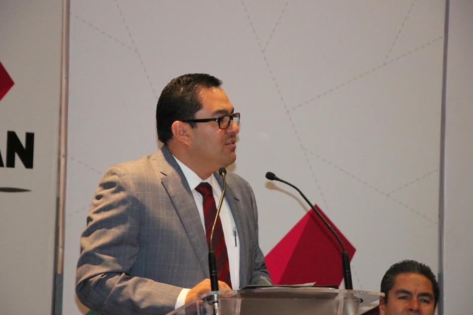 Serrato Lozano enfatizó que el incremento en las exigencias sociales obliga a las autoridades de todos los niveles a promover, proteger y respaldar la defensa de los derechos fundamentales