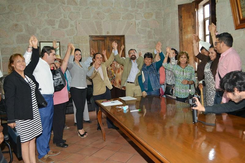 La participación fue histórica, ya que el 86% del padrón hizo valer su derecho para elegir libremente a sus autoridades, señaló el secretario del Ayuntamiento, Jesús Ávalos