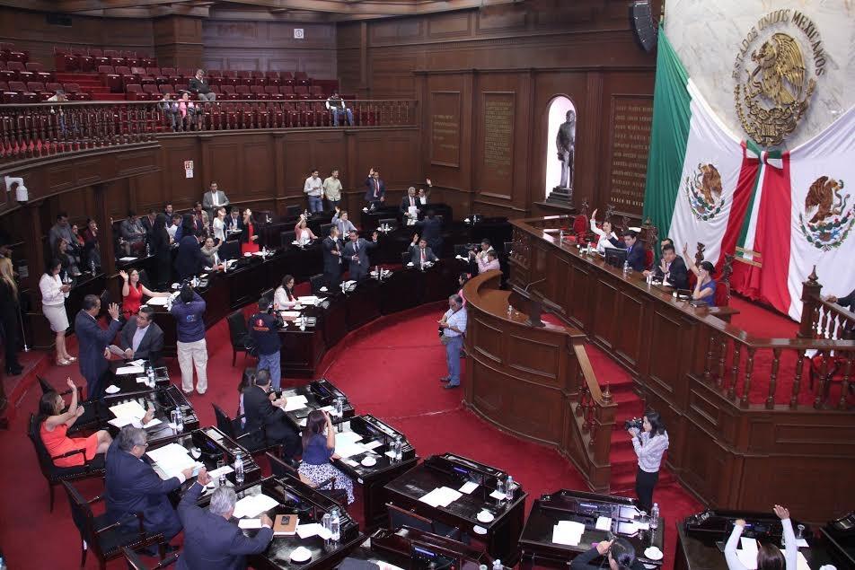 Las propuestas fueron presentadas por los diputados Manuel López, del PRD; Mary Carmen Bernal, del PT; y, Sergio Ochoa, del PRI